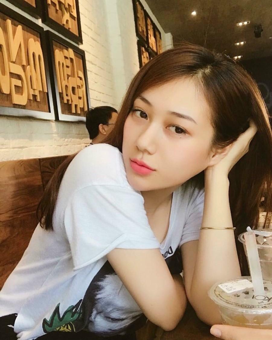 Khi con gái Việt lên báo Trung: Người được khen body cực phẩm, người khiến dân mạng nhìn thôi đã muốn yêu - Ảnh 19.