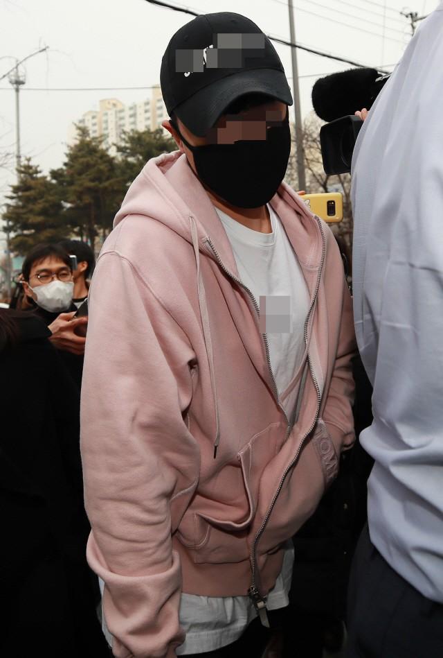 Loạt quyết định về vụ bê bối: Seungri chính thức được hoãn nhập ngũ, CEO club không bị bắt dù dương tính với ma túy? - Ảnh 2.