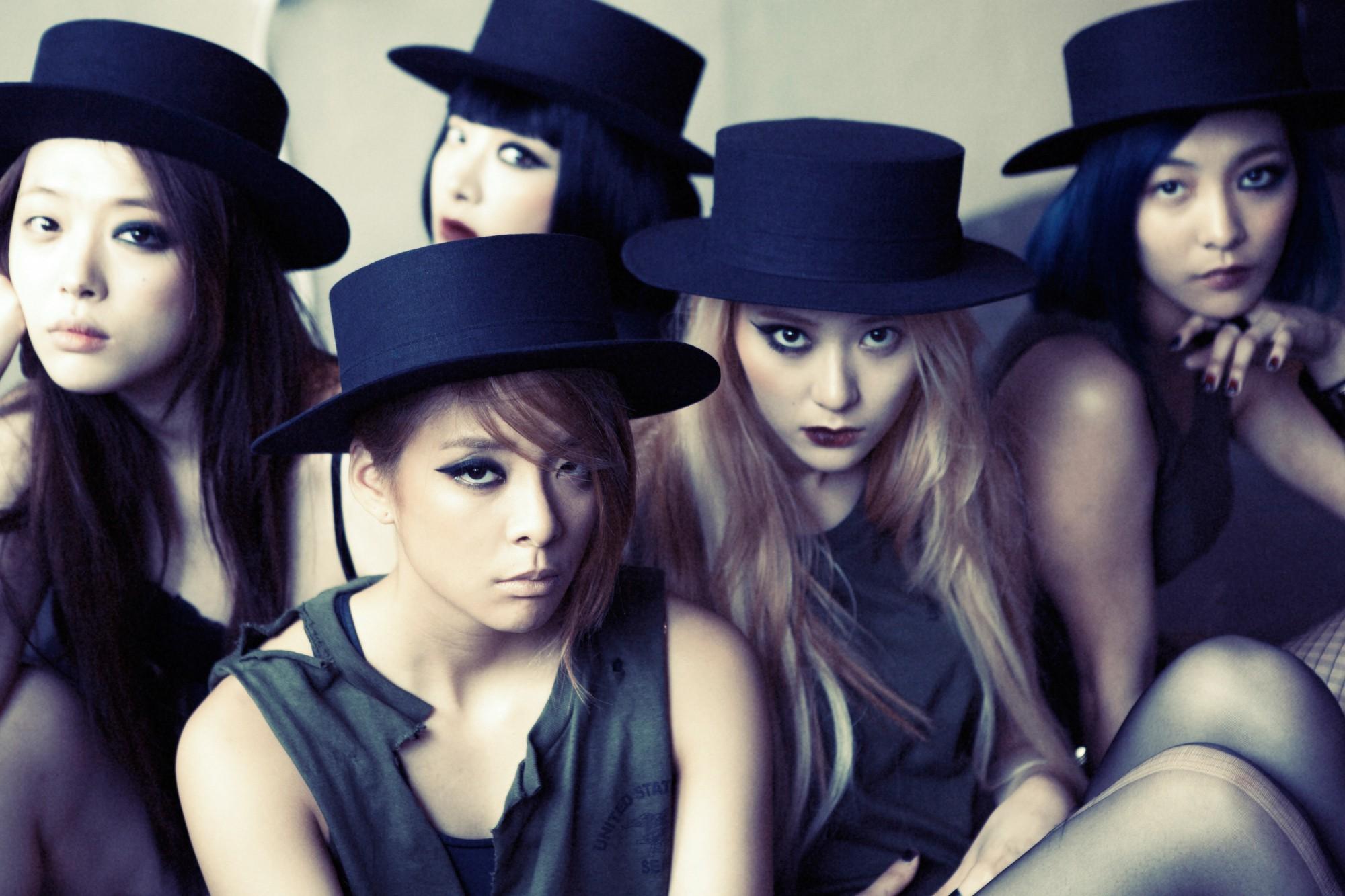 Nhìn lại những concept độc nhất vô nhị dẫn đầu xu hướng này có thể khẳng định: f(x) chính là nhóm nhạc nữ độc đáo nhất Kpop - Ảnh 12.