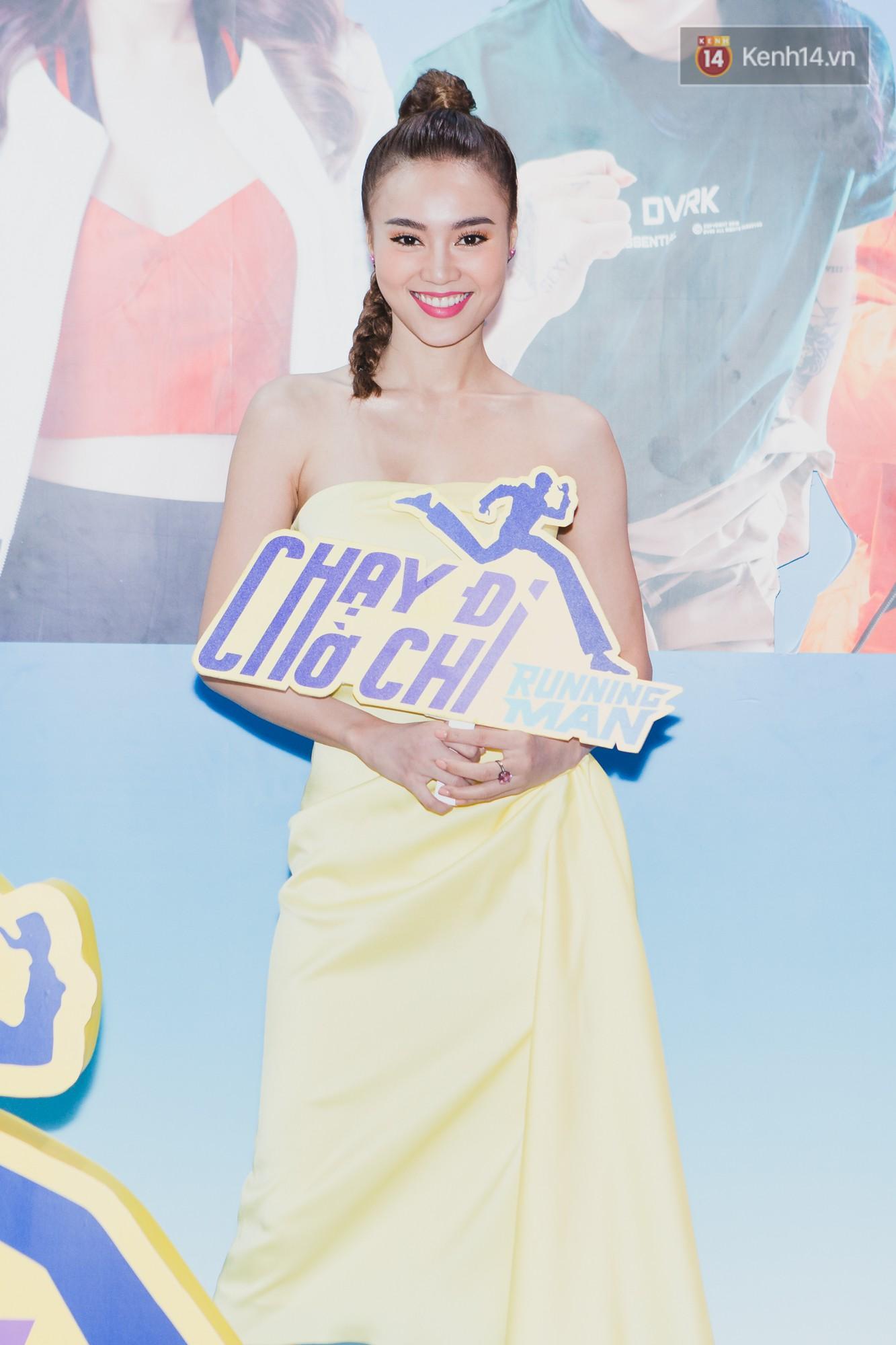 Ninh Dương Lan Ngọc xuất hiện với đôi tay nhiều vết bầm tím, bị Trấn Thành bóc phốt không thương tiếc tại họp báo Running Man Vietnam - Ảnh 3.