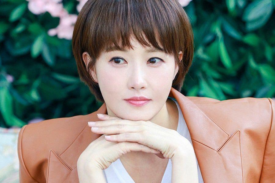 Chỉ 2 ngày sau scandal ép Jang Ja Yeon tự tử rộ lên, quý bà Lee Mi Sook bình thản nhận vai diễn mới? - Ảnh 2.