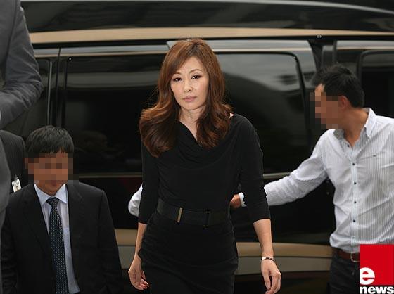 Chỉ 2 ngày sau scandal ép Jang Ja Yeon tự tử rộ lên, quý bà Lee Mi Sook bình thản nhận vai diễn mới? - Ảnh 1.