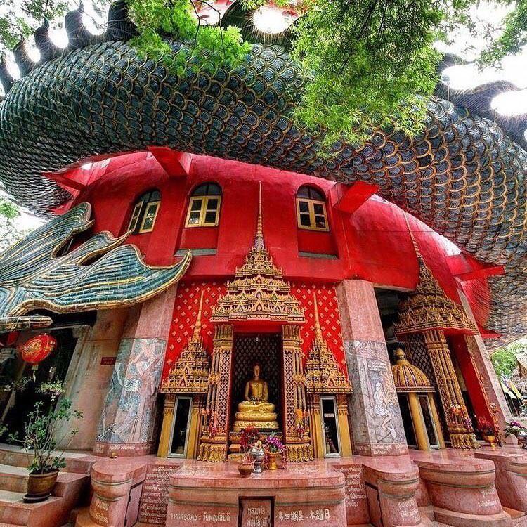 Thoạt nhìn cứ tưởng bối cảnh phim Hollywood nhưng hoá ra ngôi chùa này ở Thái lại hoàn toàn có thật! - Ảnh 4.