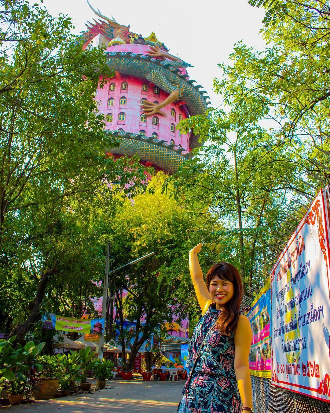 Thoạt nhìn cứ tưởng bối cảnh phim Hollywood nhưng hoá ra ngôi chùa này ở Thái lại hoàn toàn có thật! - Ảnh 9.