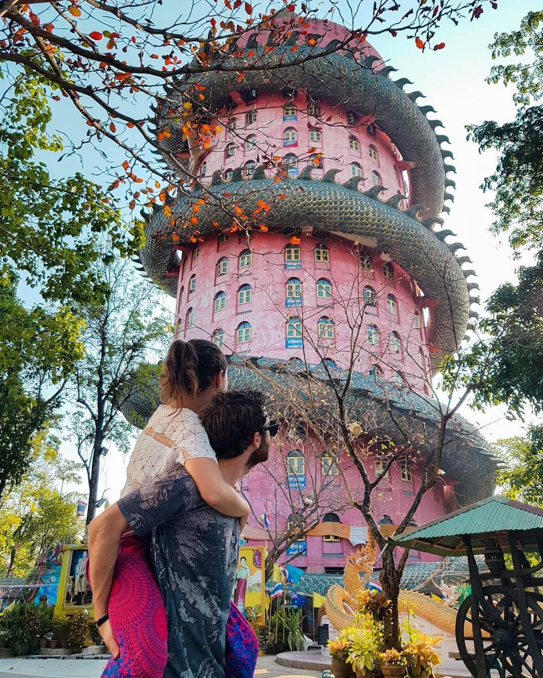 Thoạt nhìn cứ tưởng bối cảnh phim Hollywood nhưng hoá ra ngôi chùa này ở Thái lại hoàn toàn có thật! - Ảnh 10.