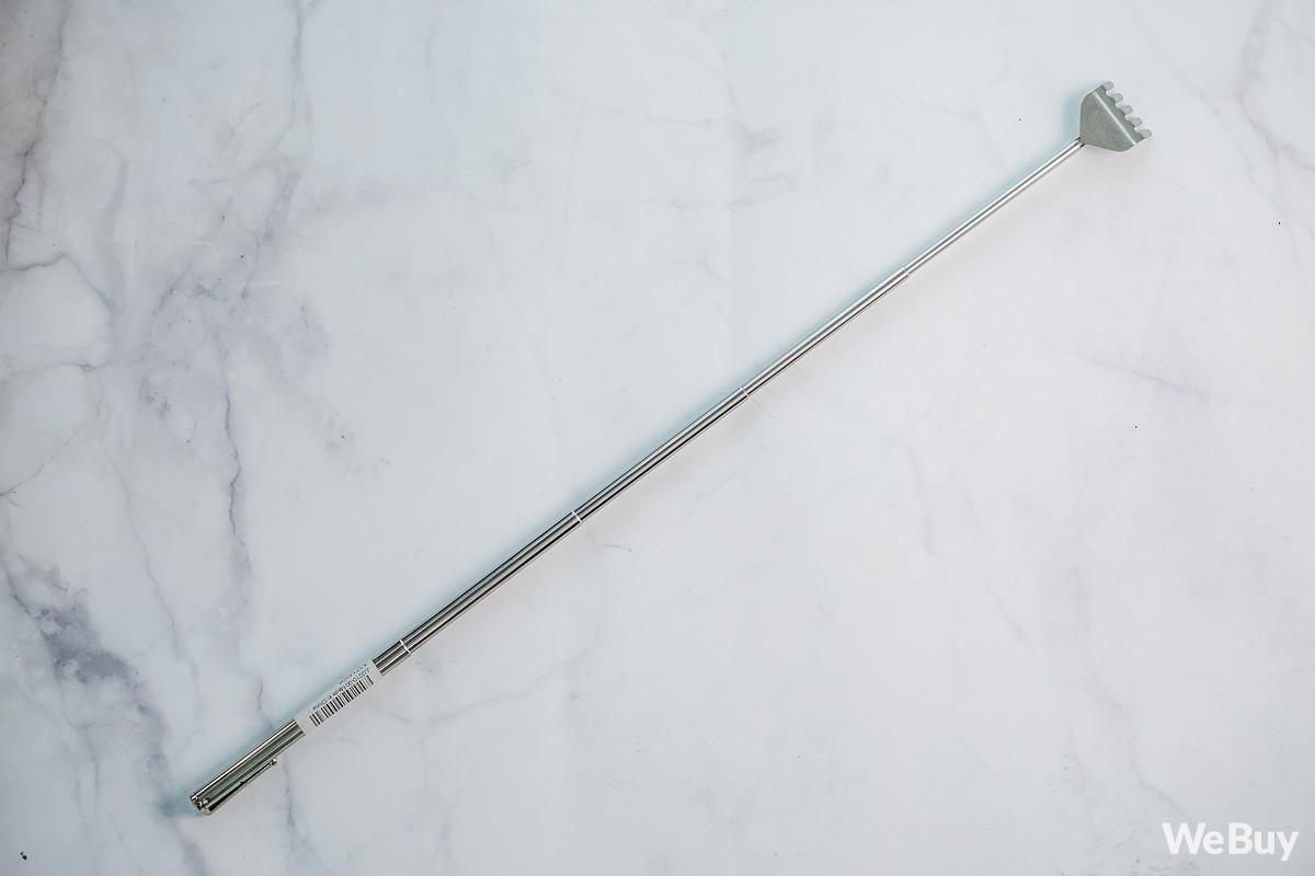Gãi ngứa thanh lịch với dụng cụ cào lưng nhìn như cây bút mực nằm gọn trong túi áo - Ảnh 3.