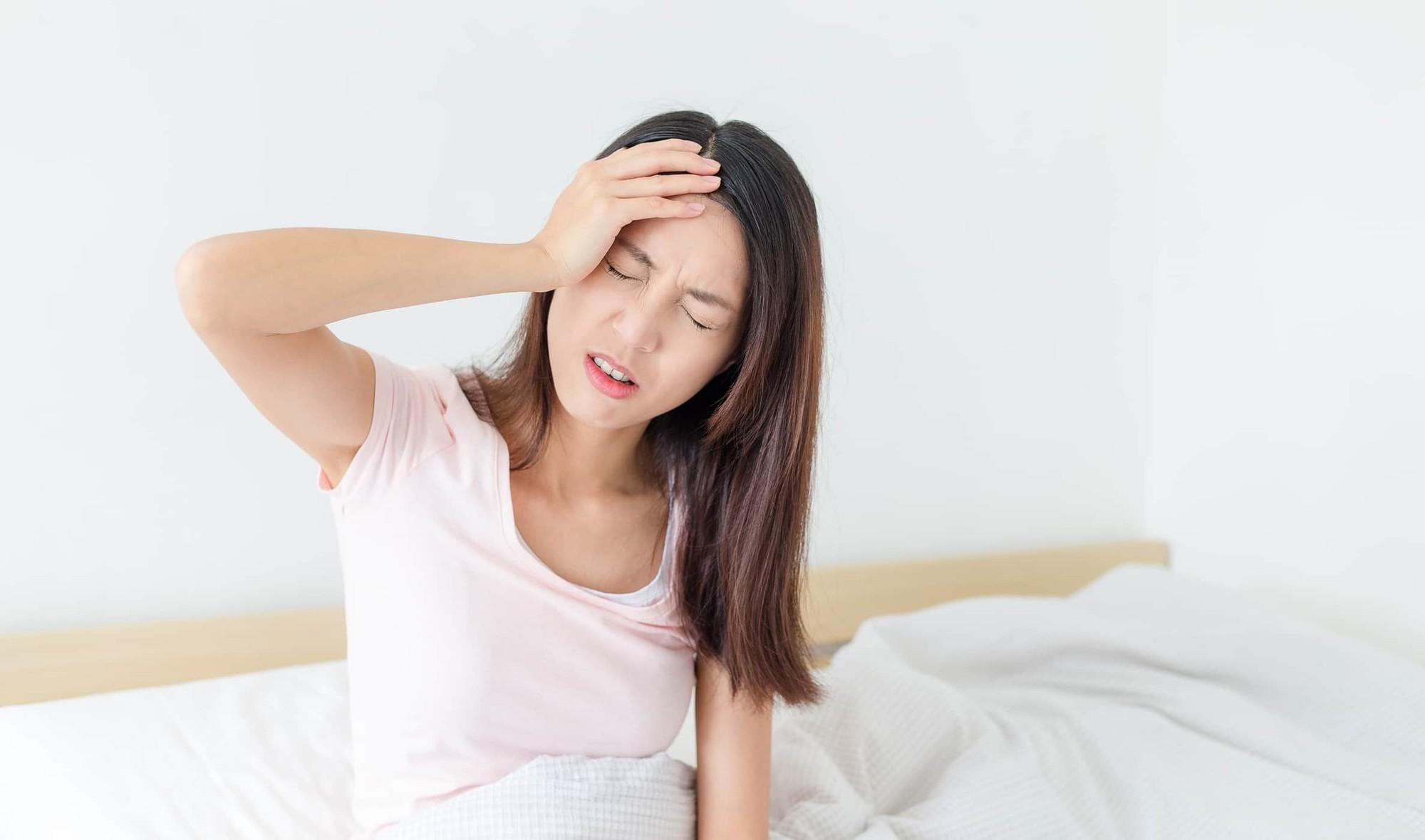 Cứ chủ quan với tình trạng mất ngủ kéo dài coi chừng gặp phải hàng loạt tác hại sau - Ảnh 2.