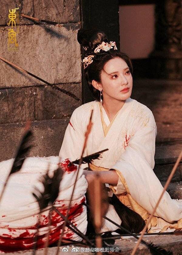 Đông Cung: Tiểu Phong chạm đáy nỗi đau khi Lý Thừa Ngân ép cô chứng kiến Cố Kiếm bị giết chết - Ảnh 5.