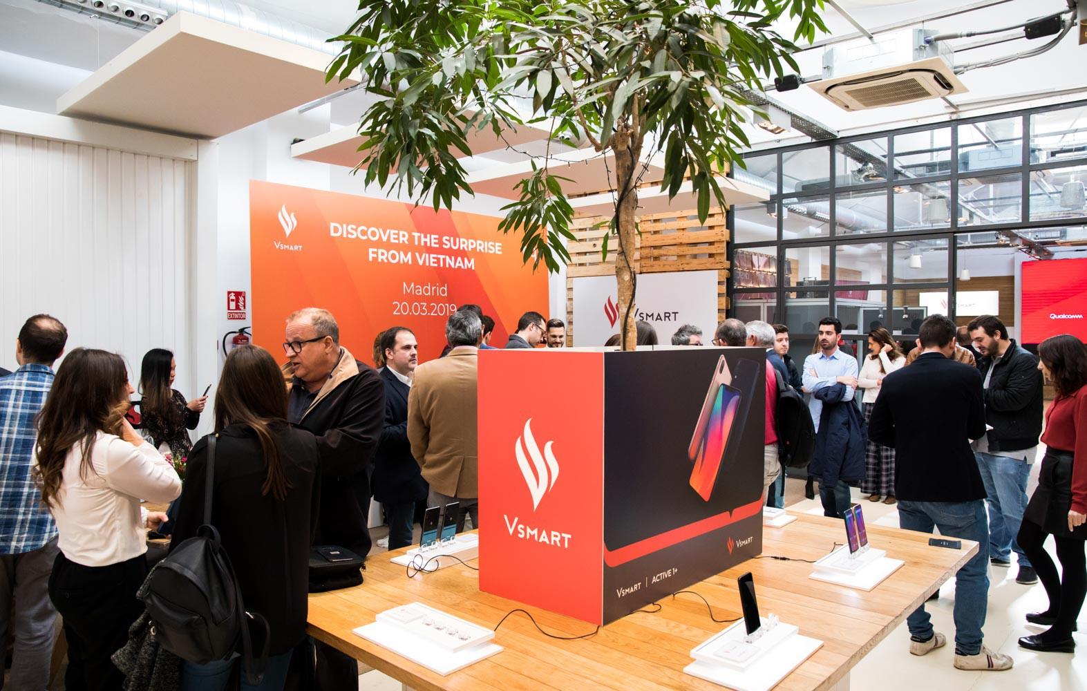 Điện thoại Vsmart chính thức ra mắt tại thị trường Tây Ban Nha, phân phối trên gần 90 cửa hàng - Ảnh 1.
