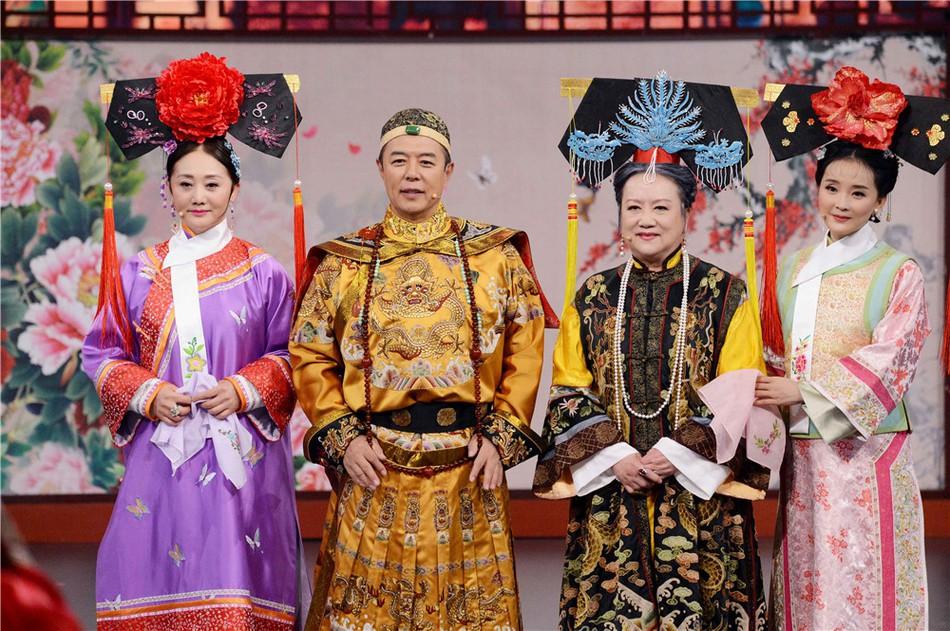 Chùm ảnh xúc động: Hoàng A Mã cùng bà nội Tiểu Yến Tử bất ngờ tái ngộ sau 20 năm phát sóng Hoàn Châu Cách Cách - Ảnh 2.