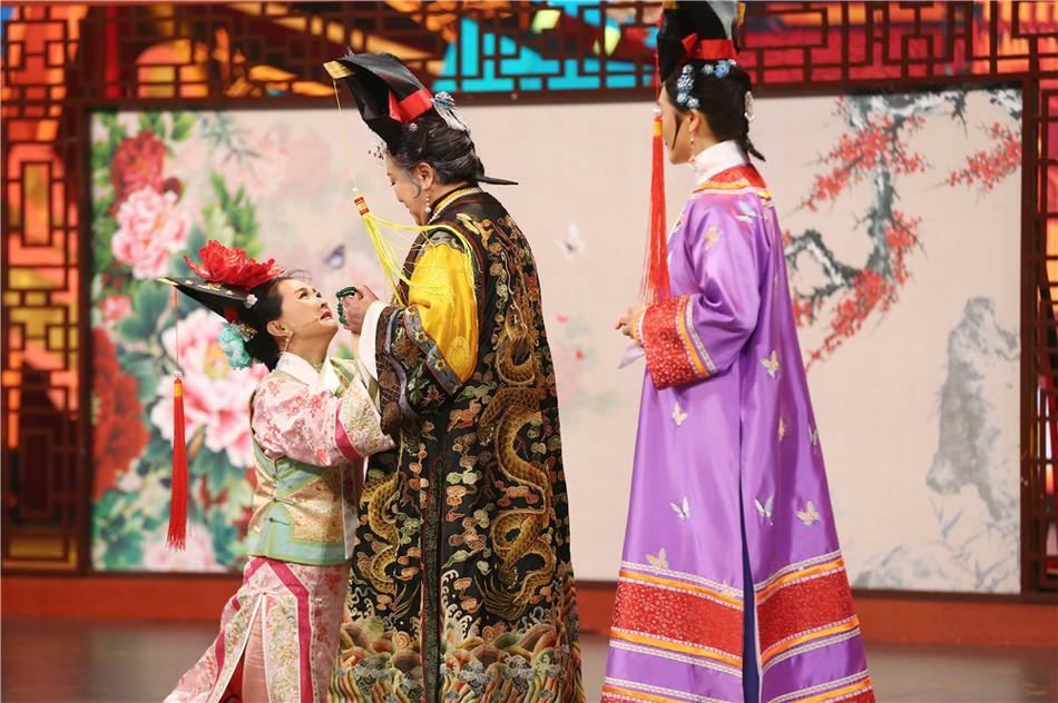 Chùm ảnh xúc động: Hoàng A Mã cùng bà nội Tiểu Yến Tử bất ngờ tái ngộ sau 20 năm phát sóng Hoàn Châu Cách Cách - Ảnh 3.