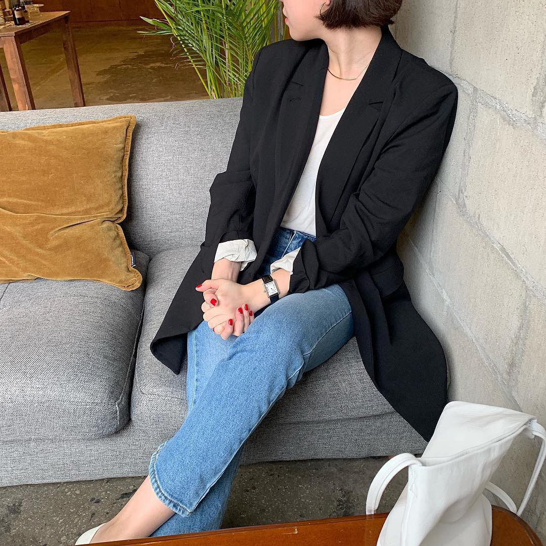 Có đến 4 style khác nhau từ cặp bài trùng quần jeans + blazer phục vụ các chị em công sở - Ảnh 1.