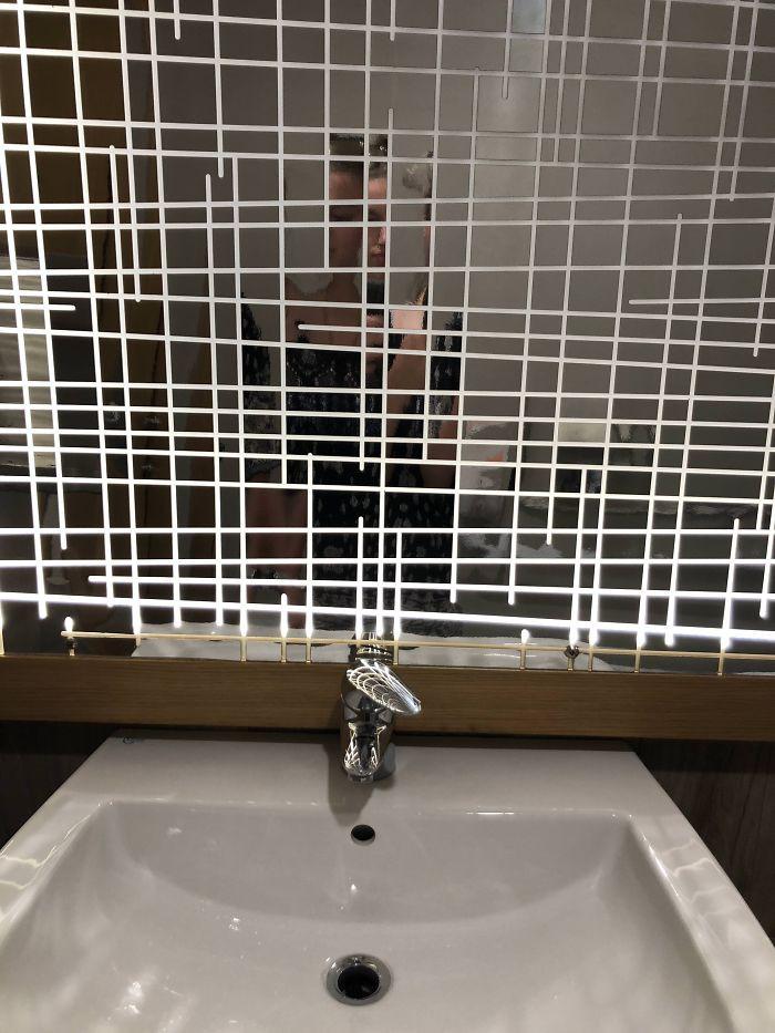 20 thiết kế nhà vệ sinh thảm họa khiến dân mạng thủ thỉ: Thôi, thà nhịn còn hơn - Ảnh 8.