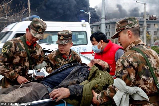 Hiện trường vụ nổ nhà máy hóa chất Trung Quốc, 47 người thiệt mạng - Ảnh 9.