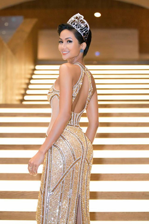 Không còn nóng bỏng như thời Miss Universe, HHen Niê lộ thân hình gầy trơ xương, tiều tụy đáng báo động - Ảnh 3.