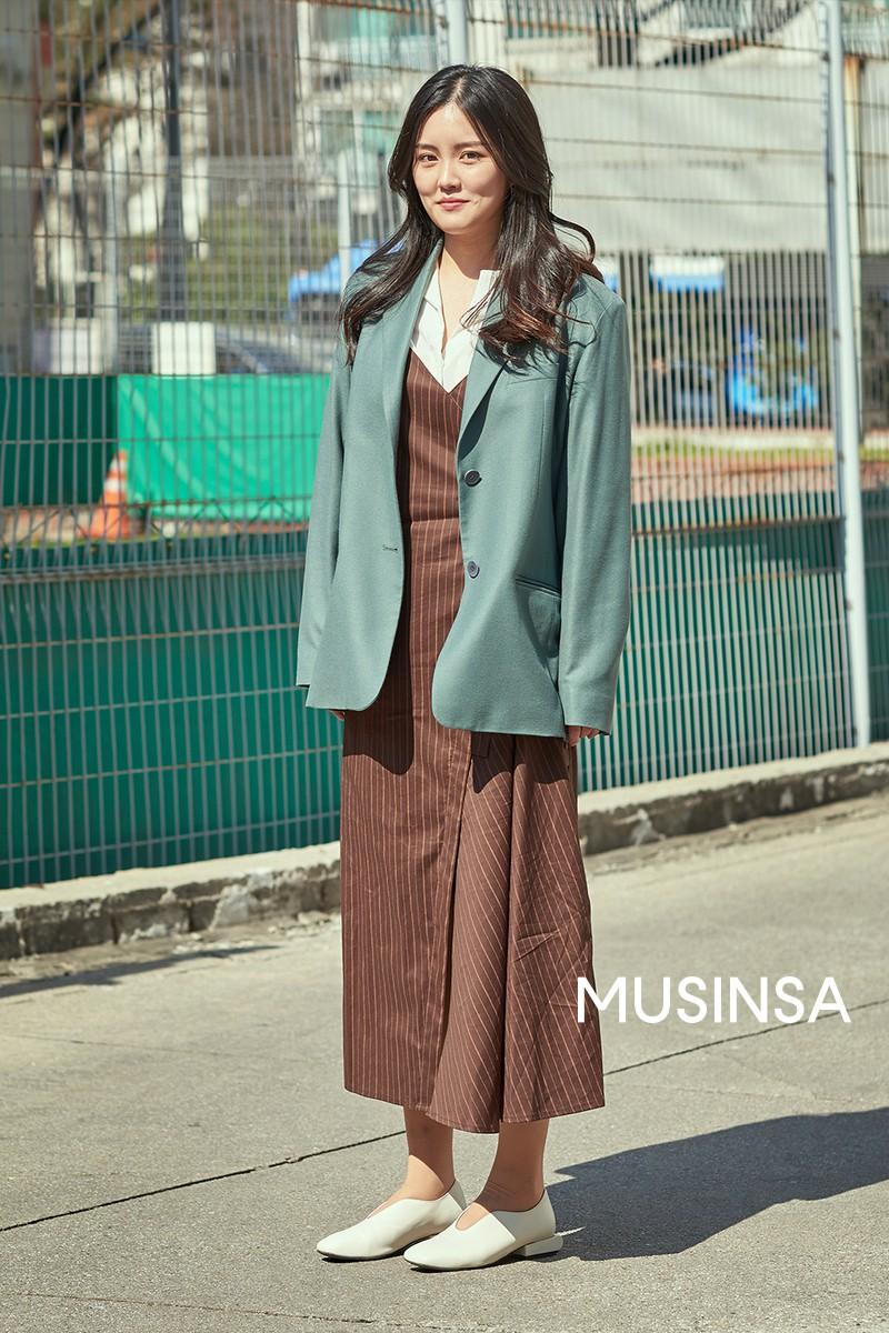 Street style giới trẻ Hàn tuần qua chứng minh đỉnh cao của mặc đẹp chính là lên đồ đơn giản hết cỡ nhưng vẫn đẹp hết nấc - Ảnh 5.