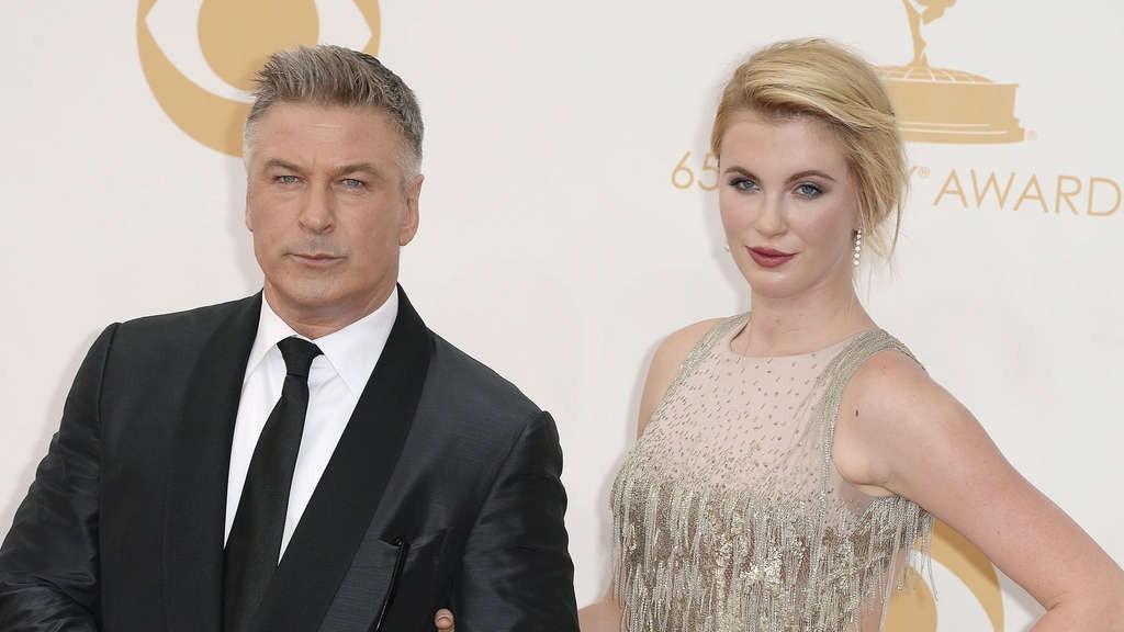 Top ái nữ xuất chúng nhất nhà sao Hollywood: Con gái Kẻ hủy diệt quá đẹp, sao 50 sắc thái hóa ra là con nhà nòi - Ảnh 4.