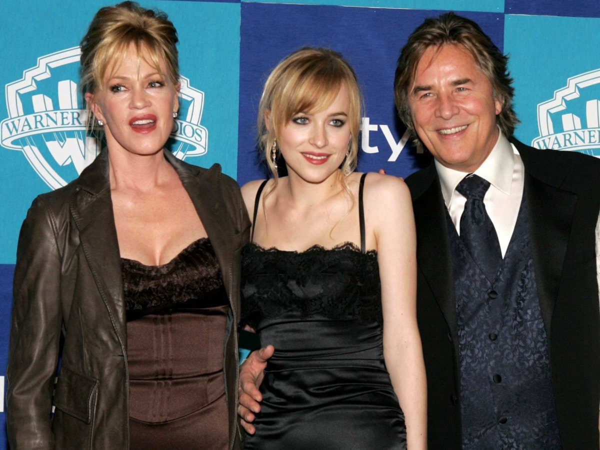 Top ái nữ xuất chúng nhất nhà sao Hollywood: Con gái Kẻ hủy diệt quá đẹp, sao 50 sắc thái hóa ra là con nhà nòi - Ảnh 14.