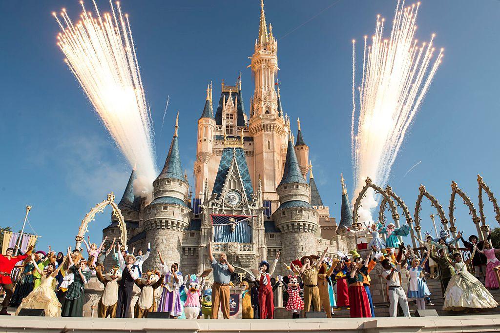 Disney: Từ giấc mơ của chàng hoạ sĩ nghèo đến đế chế tỉ đô độc quyền làng giải trí - Ảnh 8.