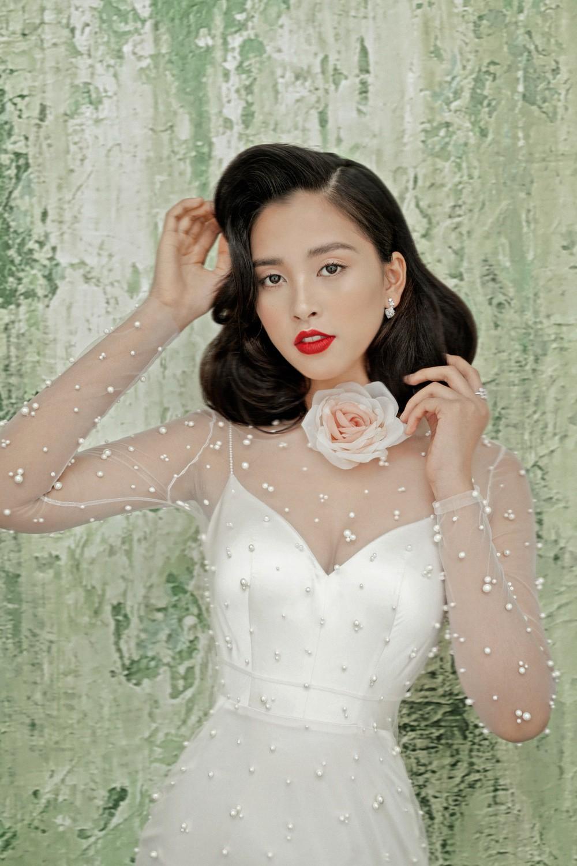 Không thể nhận ra đây là mỹ nhân 10x Trần Tiểu Vy sau nửa năm đăng quang Hoa hậu Việt Nam 2018 - Ảnh 3.