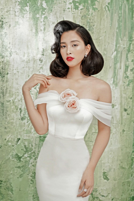 Không thể nhận ra đây là mỹ nhân 10x Trần Tiểu Vy sau nửa năm đăng quang Hoa hậu Việt Nam 2018 - Ảnh 2.