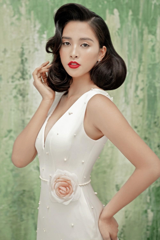 Không thể nhận ra đây là mỹ nhân 10x Trần Tiểu Vy sau nửa năm đăng quang Hoa hậu Việt Nam 2018 - Ảnh 1.