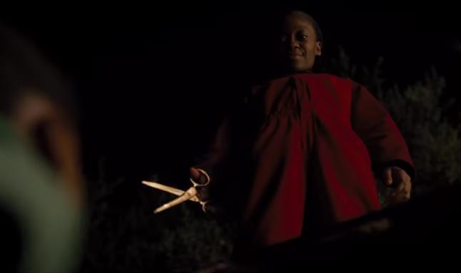"""Ai xem xong phim kinh dị """"Us"""" cũng mất ngủ với 12 chi tiết đáng sợ đến ám ảnh nhất sau - Ảnh 7."""