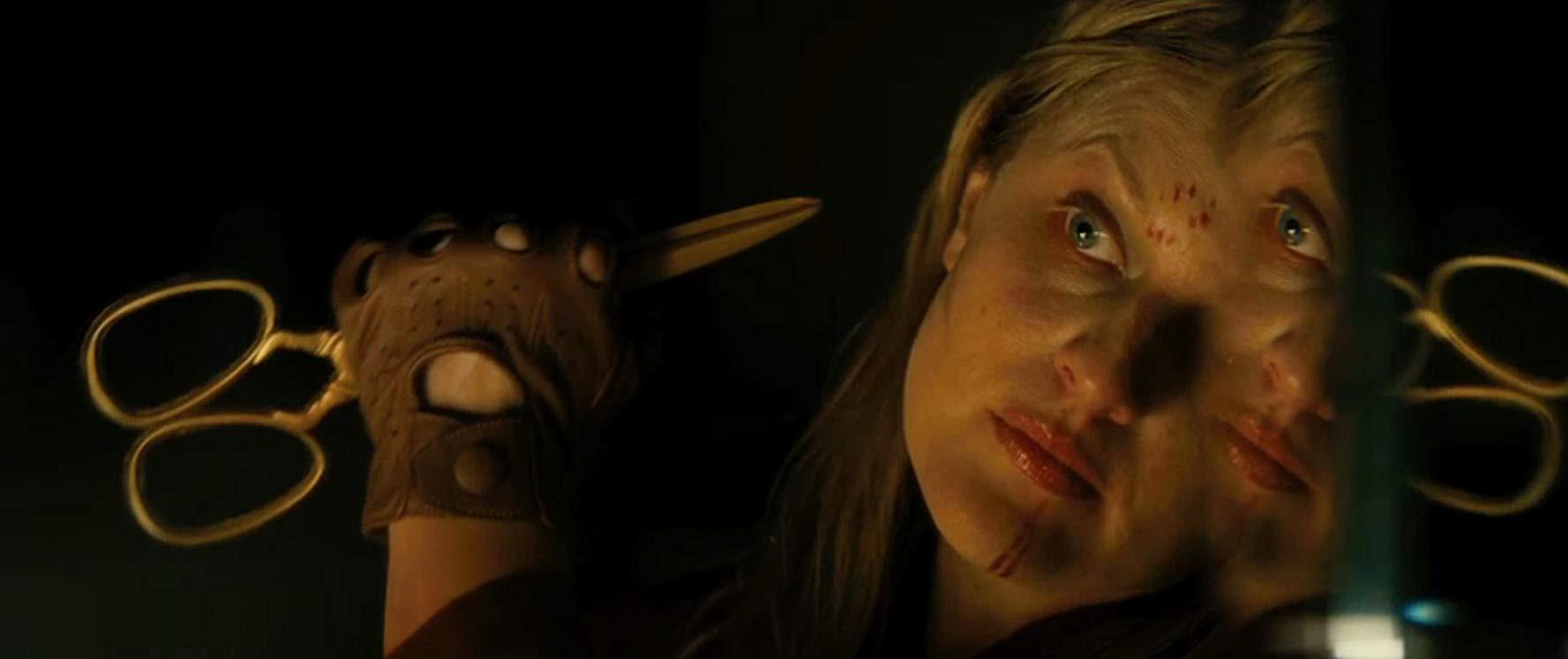 """Ai xem xong phim kinh dị """"Us"""" cũng mất ngủ với 12 chi tiết đáng sợ đến ám ảnh nhất sau - Ảnh 10."""