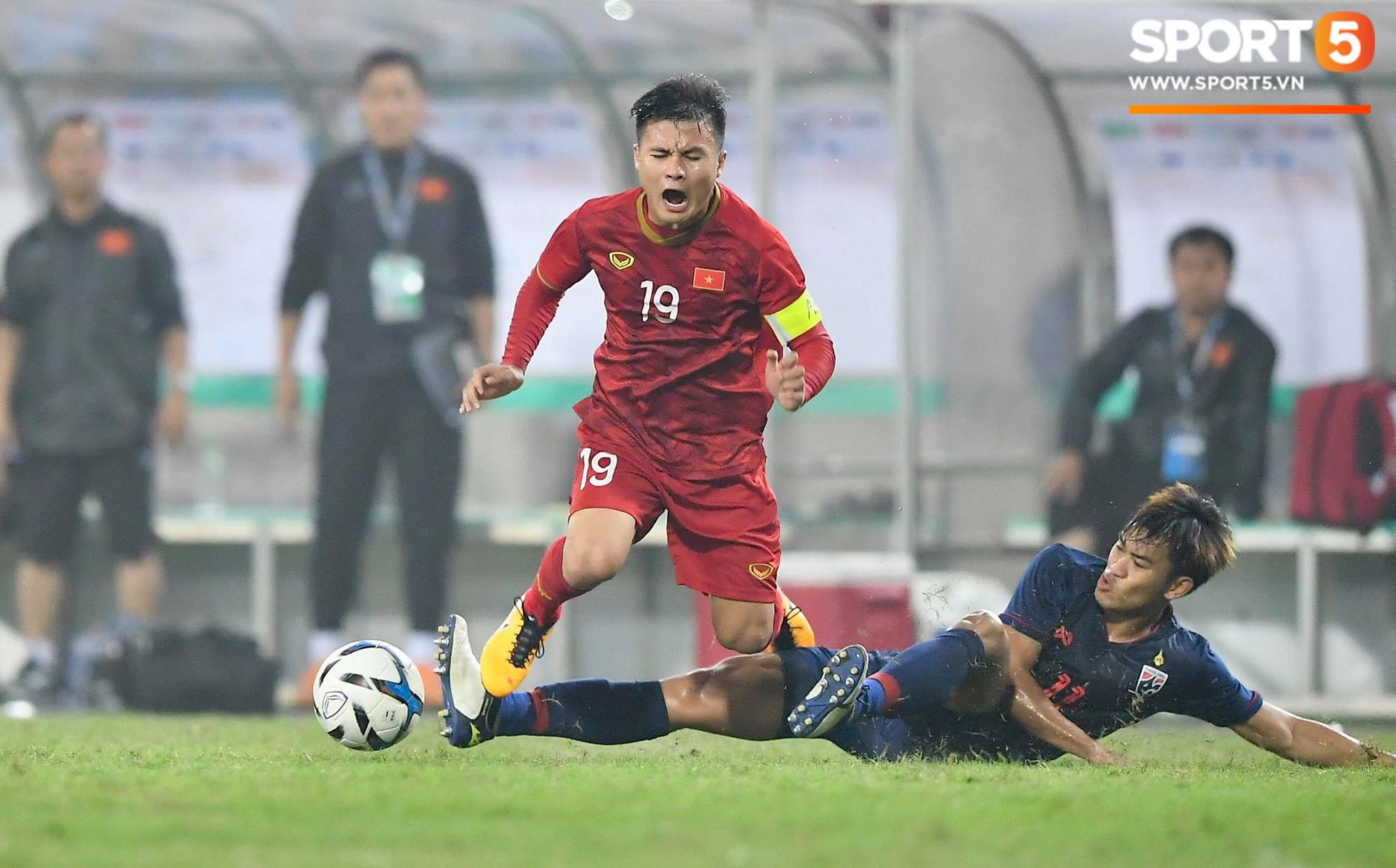 Những pha bóng quyết liệt giữa hai đội U23 Việt Nam và Thái Lan