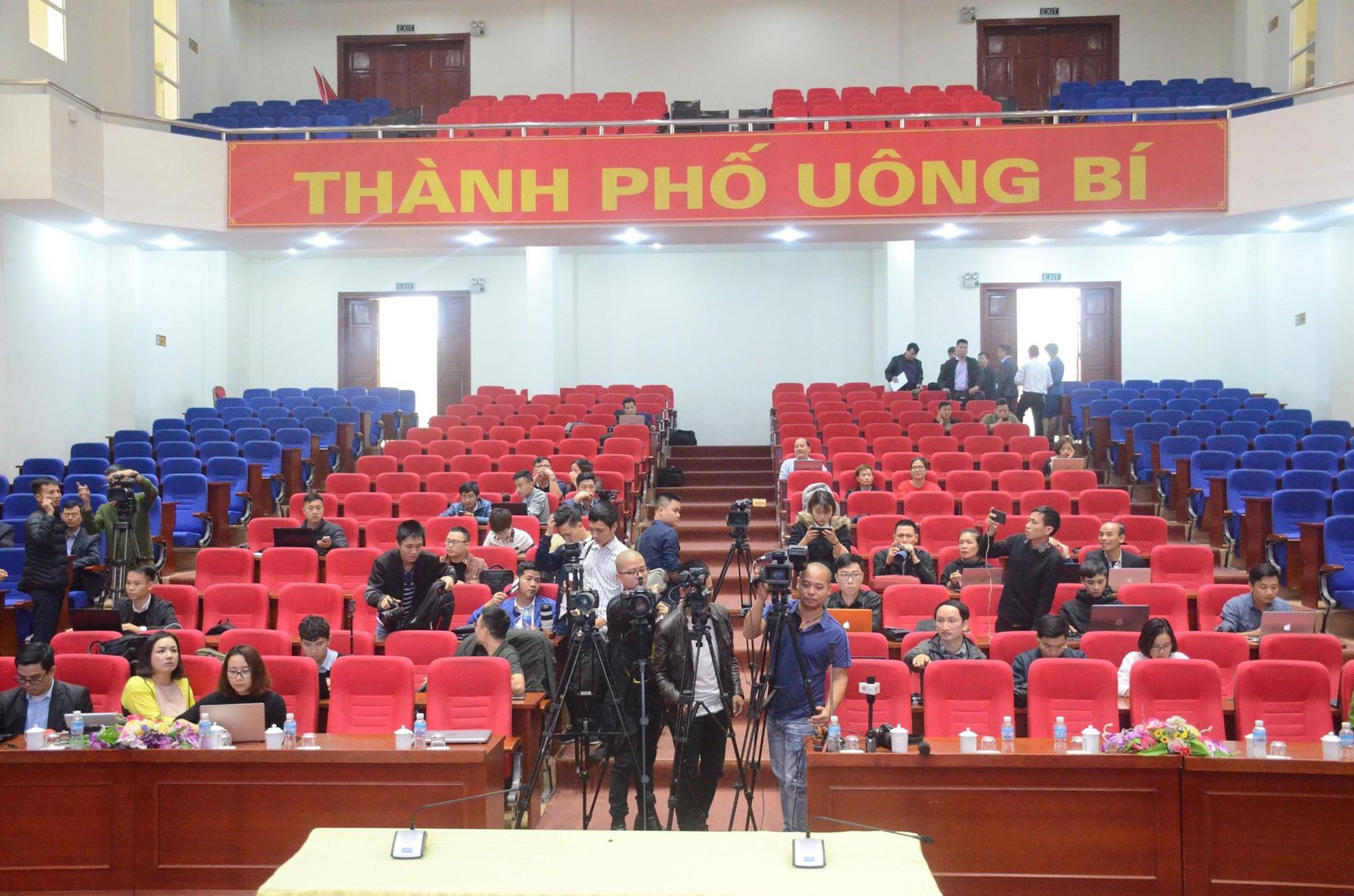 Phạt bà Phạm Thị Yến 5 triệu đồng, yêu cầu chùa Ba Vàng dừng ngay hoạt động thỉnh oan gia trái chủ - Ảnh 1.