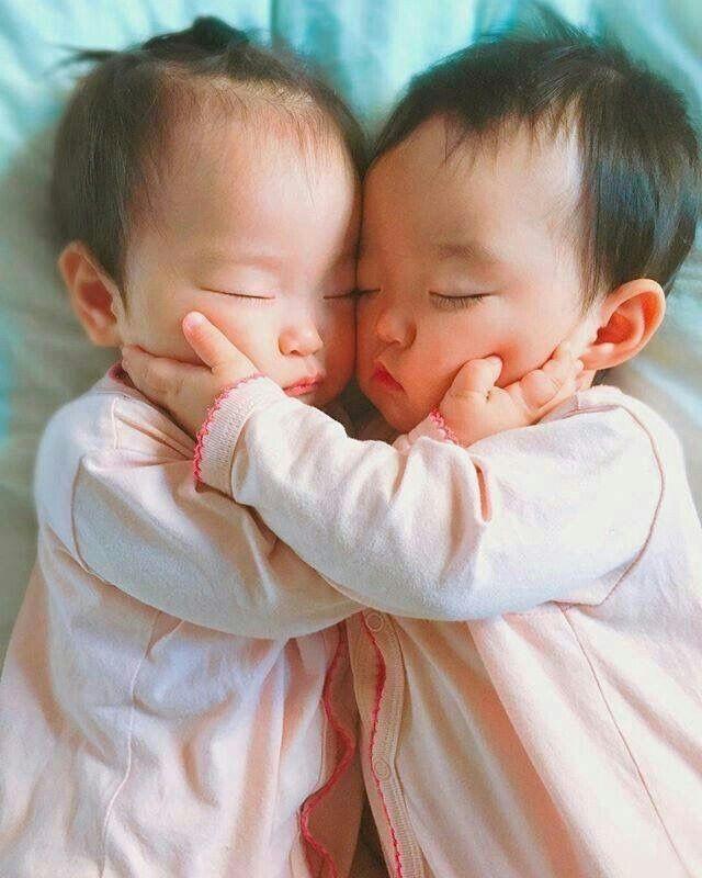 Chúa tể của những chiếc vỏ: Cặp song sinh nhưng khác bố tiết lộ chuyện ngoại tình một đêm của người mẹ trẻ - Ảnh 1.