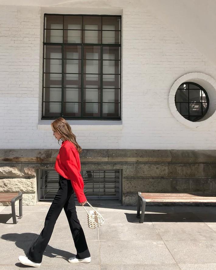 Lên đồ chuẩn như công sở Hàn với 15 gợi ý từ street style tuần này - Ảnh 2.