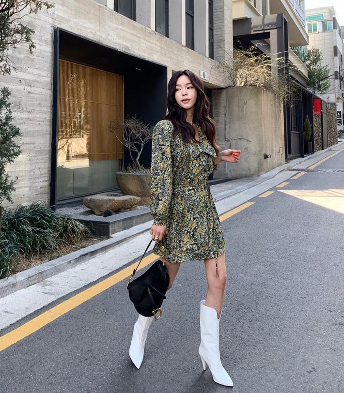 Lên đồ chuẩn như công sở Hàn với 15 gợi ý từ street style tuần này - Ảnh 15.