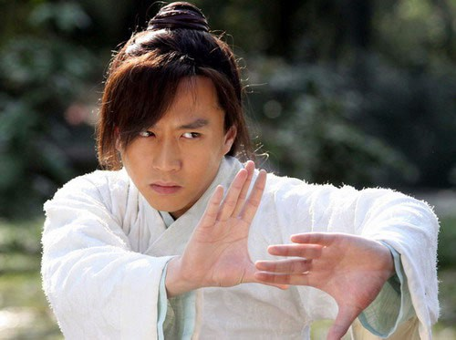 Có chê Trương Vô Kỵ Tăng Thuấn Hy đến mấy, trai đẹp này vẫn đang giữ một kỉ lục của Tân Ỷ Thiên Đồ Long Ký! - Ảnh 6.