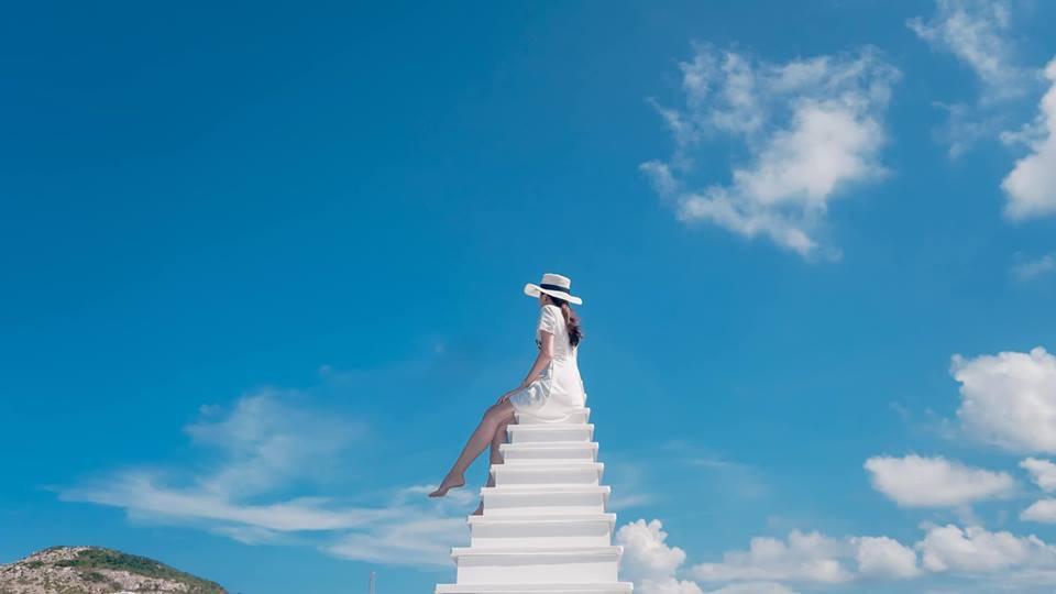 """Phát hiện """"cầu thang vô cực"""" phiên bản trên biển, hứa hẹn là điểm check-in siêu hot trong mùa hè này - Ảnh 5."""