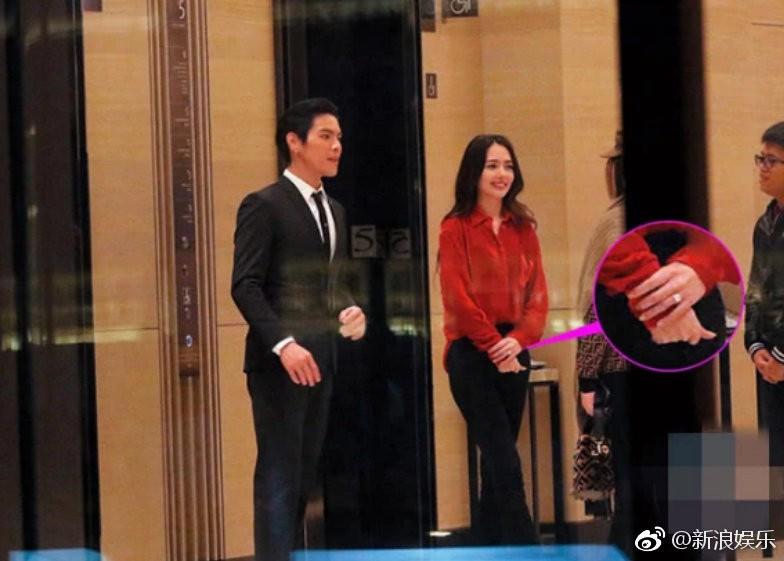 Lộ ảnh màn cầu hôn, nhẫn kim cương khủng trị giá 14 tỷ của con trai trùm showbiz Hong Kong và tình cũ Seungri - Ảnh 2.