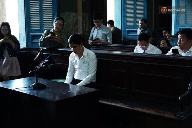 Tòa phán quyết giao hết cổ phần Trung Nguyên cho ông Vũ, tài sản ông Vũ 60% - bà Thảo 40% - Ảnh 2.