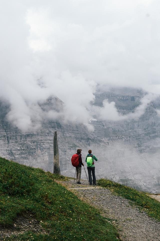 Bộ ảnh du lịch Thuỵ Sĩ của cặp đôi travel blogger người Thái khiến dân mê trekking xem xong không mê mới lạ! - Ảnh 18.