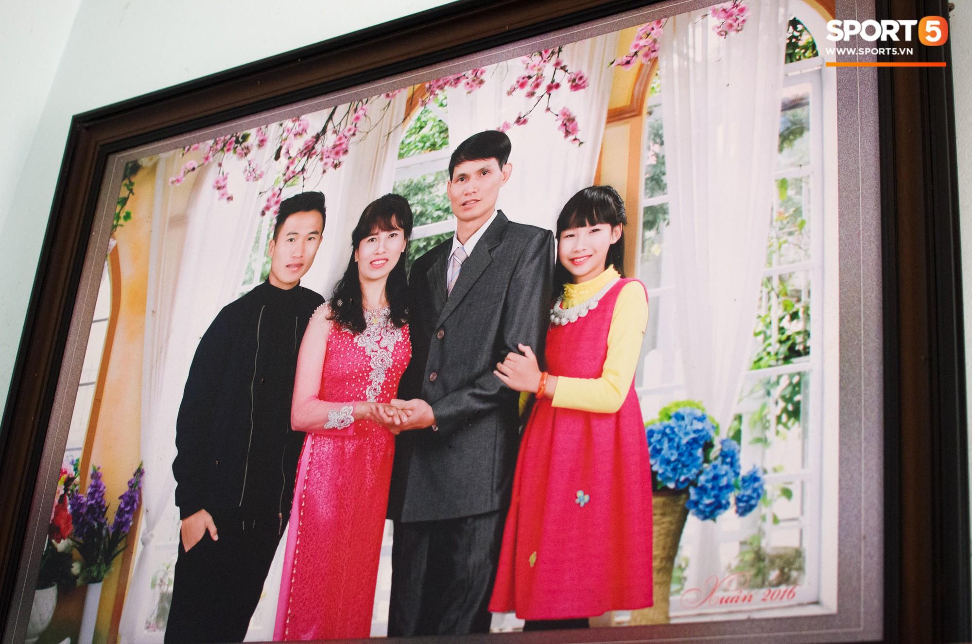 Hành trình từ người thừa trở thành người hùng của tiền vệ U23 Việt Nam qua những kỷ vật vô giá - Ảnh 2.