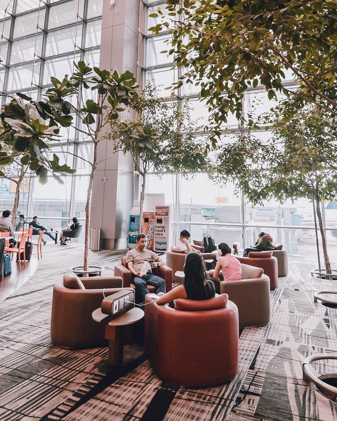 Há hốc mồm với không gian siêu hoàng tráng bên trong sân bay được bình chọn tốt nhất thế giới suốt 7 năm liền - Ảnh 4.