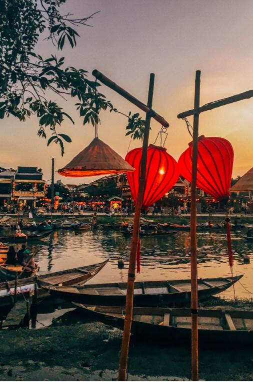 Tạp chí Vogue Úc đánh giá Việt Nam là 1 trong 15 nơi tuyệt vời để đi du lịch một mình - Ảnh 3.