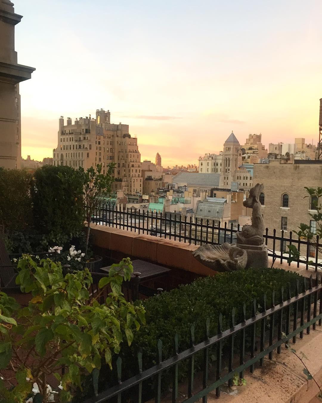 Được mệnh danh là một trong những khách sạn lãng mạn nhất thế giới, cầu hôn ở đây thì 99% là... có vợ nhé! - Ảnh 8.