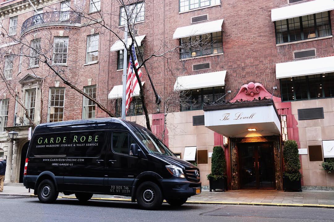 Được mệnh danh là một trong những khách sạn lãng mạn nhất thế giới, cầu hôn ở đây thì 99% là... có vợ nhé! - Ảnh 1.