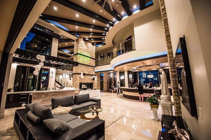 Những căn biệt thự triệu đô của sao Vbiz trên đất Mỹ: Bằng Kiều 2.000 m2 vẫn chưa khủng bằng nghệ sĩ này! - Ảnh 11.