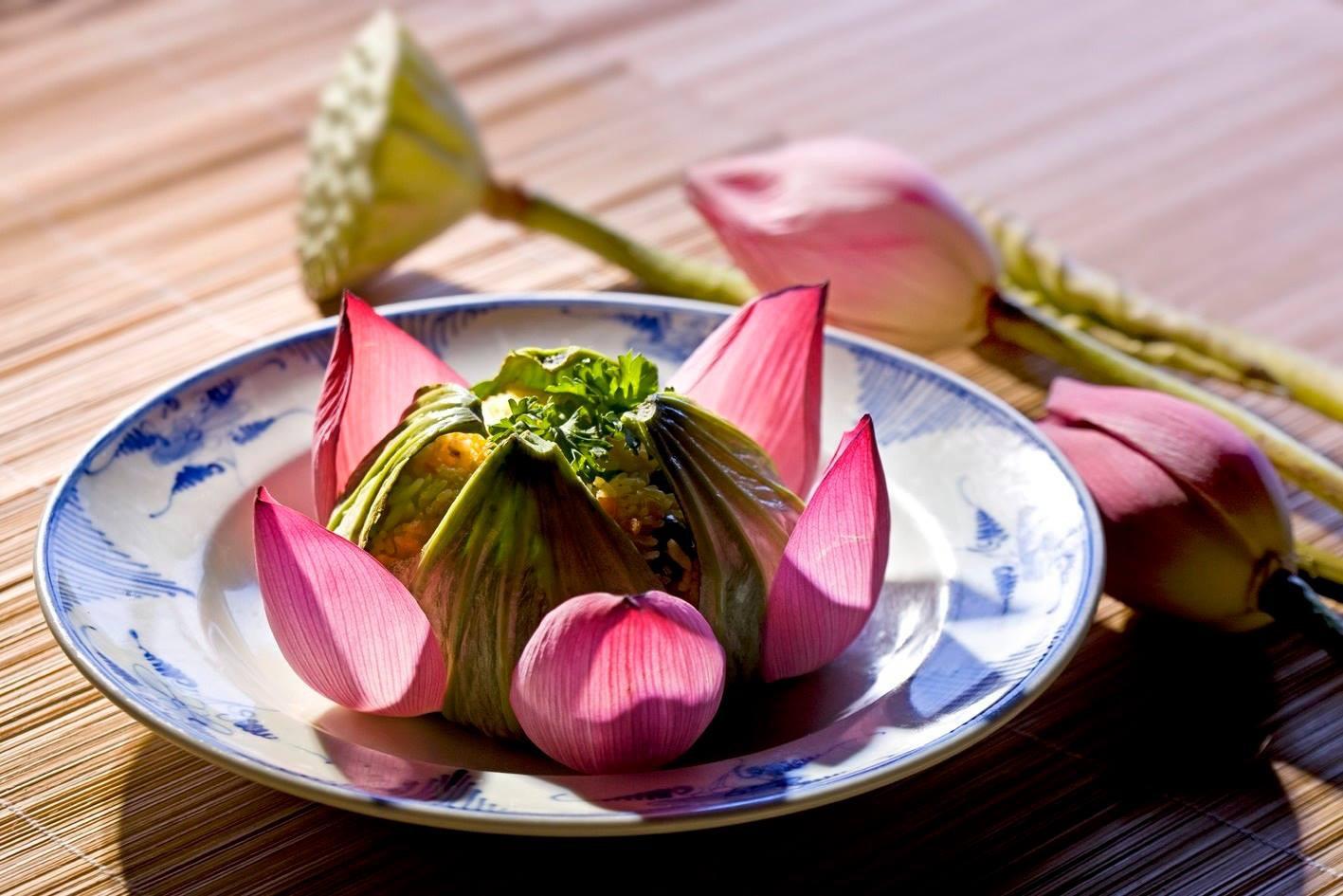 Có một khía cạnh ẩm thực Việt được ôm ấp bởi những đoá hoa sen thanh khiết - Ảnh 1.