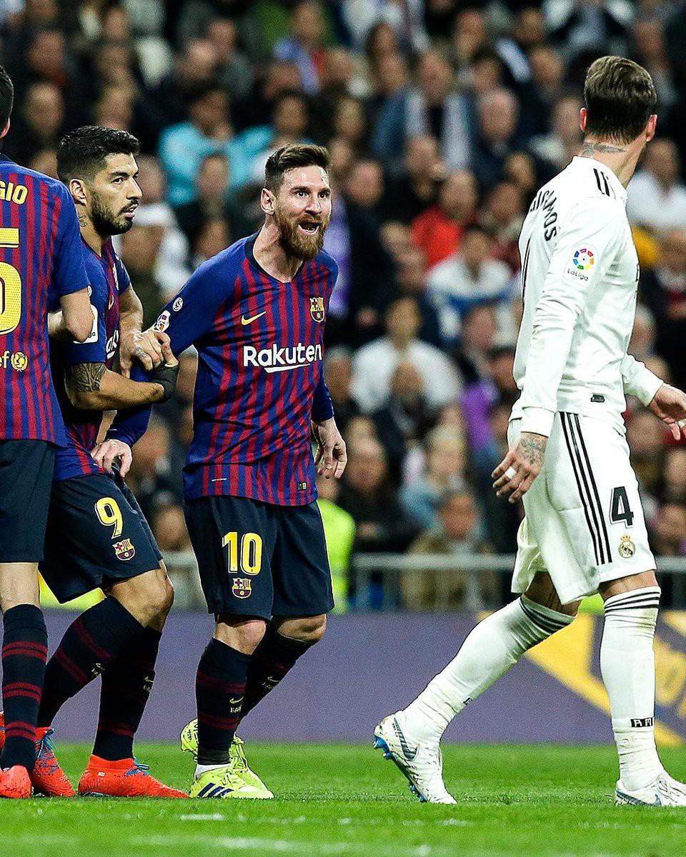 Đội trưởng Real Madrid ăn đòn sau khi liên tục chơi xấu với Messi - Ảnh 5.