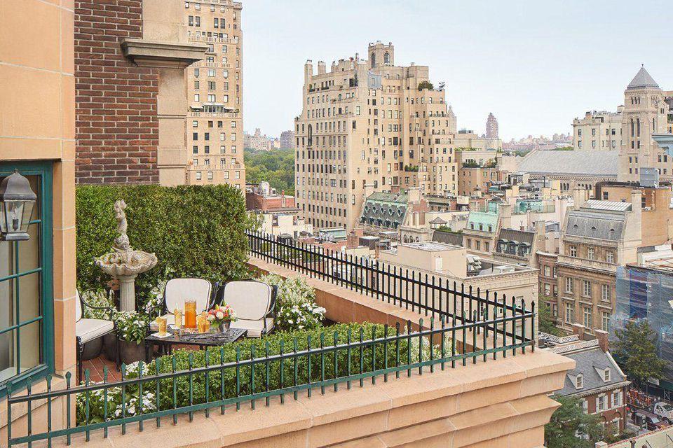 Được mệnh danh là một trong những khách sạn lãng mạn nhất thế giới, cầu hôn ở đây thì 99% là... có vợ nhé! - Ảnh 6.