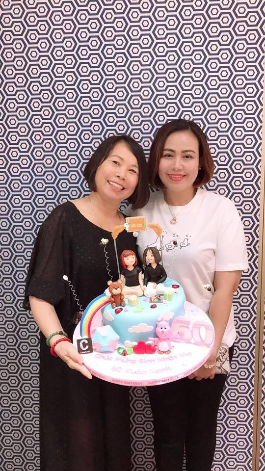 Vợ chồng Khởi My - Kelvin Khánh cùng hội bạn thân tổ chức sinh nhật tròn 60 cho má Năm - Ảnh 5.