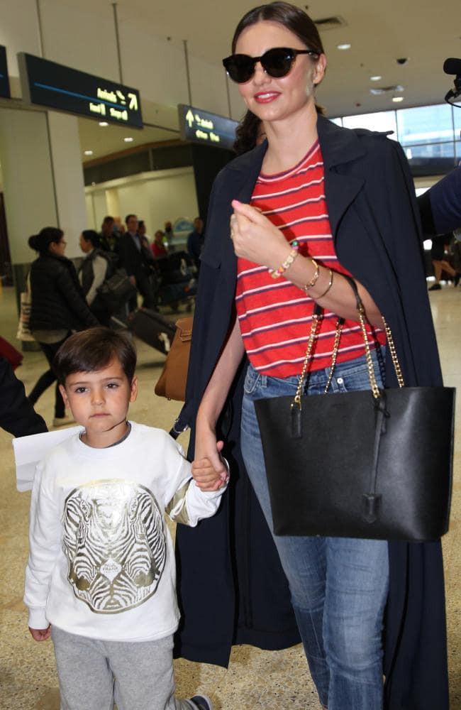 Cựu thiên thần Victorias Secret Miranda Kerr mang bầu lần thứ hai cùng người chồng tỉ phú kém 7 tuổi - Ảnh 2.