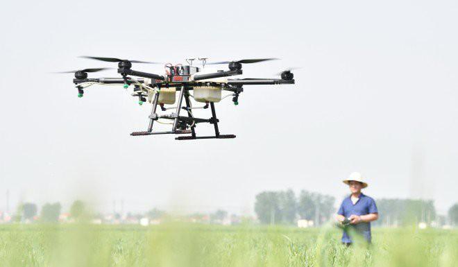 Nghề hot ở nông thôn Trung Quốc: Làm phi công lái drone, mỗi tháng kiếm hơn 180 triệu đồng - Ảnh 3.